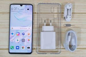 Huawei P30 Pro package contents