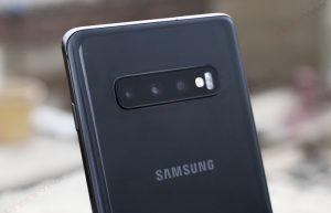 Samsung Galaxy S10 Plus triple rear camera